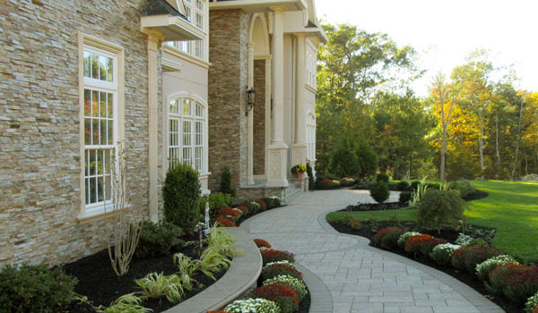 Ledgestone Veneer with Cast Stone Molding
